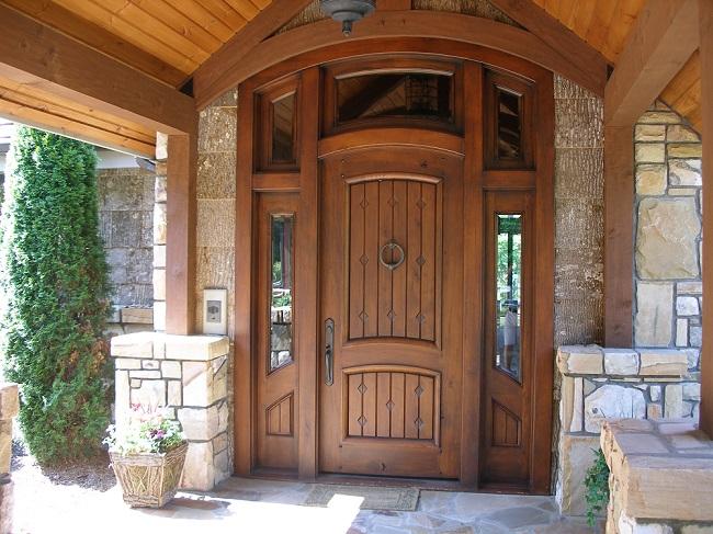 двери входные частного дома